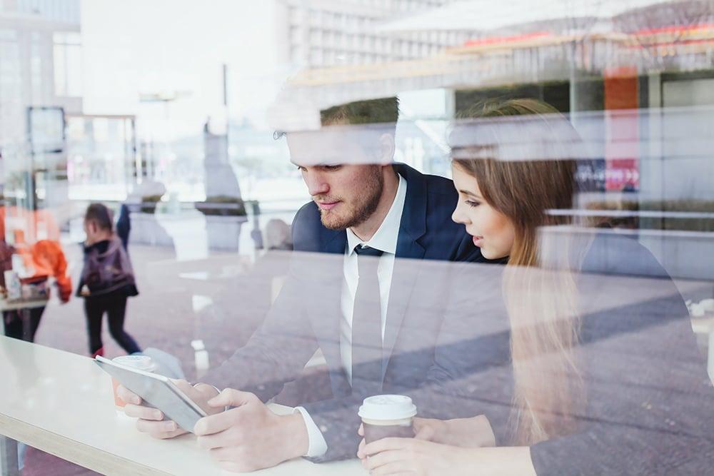 virksomhederne-nødt-til-at-implementere-teknologi-der-forstærker-selvstændigheden-og-selvbetjeningen-for-generation z